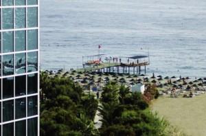 Lastminute Urlaub in der Türkei. - Der Strand am Dinler Hotel