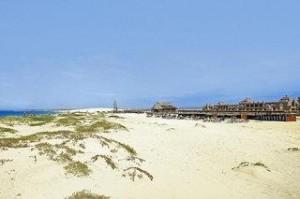 Lastminte Restplätze für Lastminute Reisen auf die Kapverdischen Inseln - das RIU Garopa am Strand