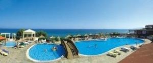 Last Minute Angebote für den Last Minute Urlaub auf Kreta - Alexander Beach - Blick auf einen Pool und das Mittelmeer