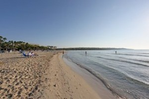 Lastminute Restplätze für Lastminute Reisen nach Mallorca - Sandstrände so weit das Auge reicht