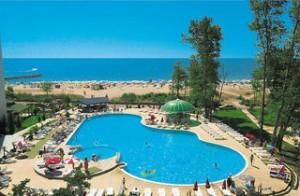 Last Minute Restplätze und Last Minute Pauschalreisen für Bulgarien ins Bellevue Beach mit Blick auf den Pool und das Meer