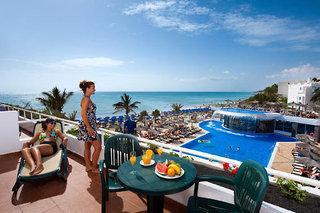 Lastminute Angebote und Lastminute Restplätze für Fuerteventura - Barlovento Club mit Blick auf einen Pool und den Atlantik