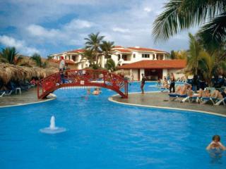 Last Minute Angebote für den Last Minute Urlaub in der Dom Rep im Viva Wyndham Tangerine mit Blick auf die Pools