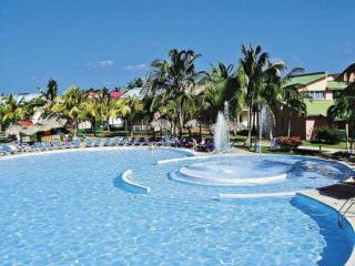 Last Minute Angebote für den Last Minute Urlaub auf  Kuba - Be Live Tuquesa Aussenaufnahme mit Pool