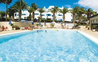Lastminute Restplätze für den Lastminute Urlaub auf Lanzarote im Natura Garden mit Blick auf den Pool