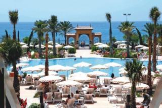 Last Minute Restplätze für Last Minute Reisen nach Spanien - Costa del Sol - Iberostar Malaga Playa - Aussenansicht mit Blick in RichtungPool, Strand und Mittelmeer