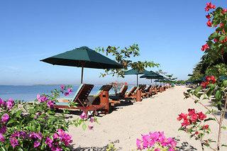 Last Minute Restplätze für den Last Minute Urlaub auf Bali - am langen Sandstrand