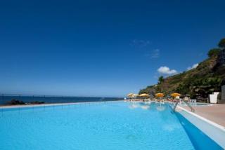 Last Minute Restplätze für den Last Minute Urlaub und Last Minute Reisen nach Madeira - Orca Praia der Pool am Atlantik