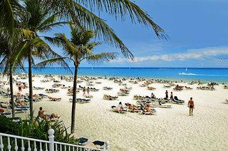 Last Minute Restplätze für den Last Minute Urlaub und Last Minute Reisen nach Mexico - RIU Yucatan am Strand