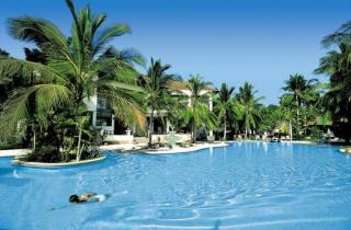 Last Minute Angebote für den Last Minute Urlaub auf Koh Samui - Thailand - First Bungalow Beach Resort mit Blick auf den Pool