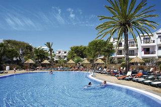 Last Minute Angebote für den Last Minute Urlaub auf Lanzarote im allsun Alatros Hotel in einen Aussenansicht