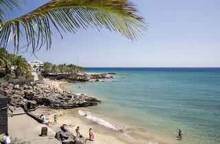 Tolle Last Minute Restplätze und weitere Last Minute Angebote für Lanzarote im allsun Alatros Hotel mit Blick auf den Strand