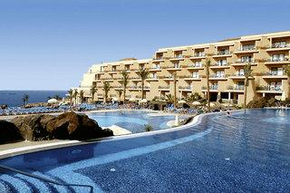 Last Minute Angebote für den Last Minute Urlaub und Last Minute Reisen auf Teneriffa ins Clubhotel Riu Buena Vista mit Blick auf die Pools und Hotelgebäude