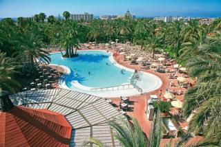 Last Minute Restplätze für Gran Canaria im RIU Papayas mit Blick auf die Poollandschaft