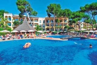 Last Minute Angebote für Mallorca im Viva cala Mesquida Club mit Blick auf den Pool und die Appartments
