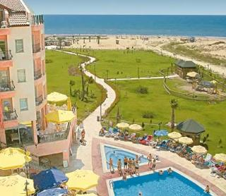 Last Minute Angebote für den Urlaub in der Türkei im Royal Atlantis Resort & Spa der Weg zum Strand