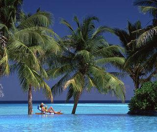 Last Minute Restplätze für den Last Minute Urlaub auf den Malediven im Sun-Island am Pool