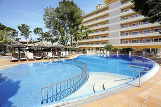 Last Minute Urlaub auf Mallorca im Grupotel Montecarlo iin einer Aufnahme vom Pool