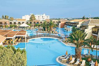 Last Minute Angebote für Zypern im Aeneas Resort und Spa mit Blick auf die Poollandschaft