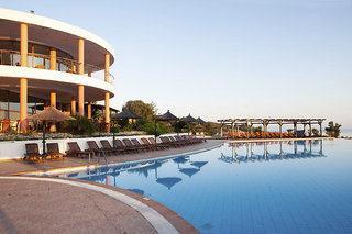 Last Minute Urlaub in Griechenland im Alia Plalace mit Blick auf die Unterbringung und den Pool
