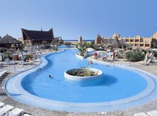 Last Minute Angebote für die Kapverden im RIU Funana mit einem Eindruck vom Pool