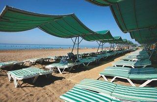 Last Minute Angebote für die Türkei im Limak Atlanits mit einem Blick auf den Strand