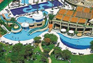 Türkei: Last Minute Urlaub im  Limak Atlanits mit einem Blick auf die Pools