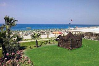 Last Minute Angebote für die Türkei im Titan Club mit einem Bild vom Strand