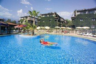 Last Minute Reisen in die Türkei in den Titan Club mit einem Blid vom Pool