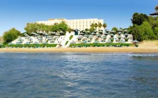 Last Minute Urlaub in den VAE im Bin Majid Beach mit einem Blick vom Strand
