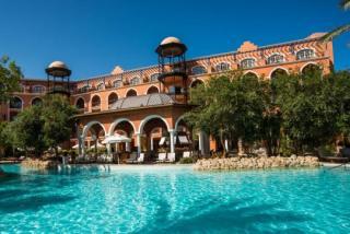 Ägypten im Grand Resort mit Blick auf einen Pool