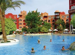 Ägypten im Grand Resort mit Blick auf einen weiteren Pool