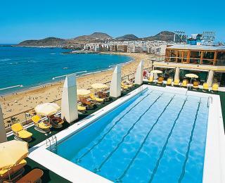Gran Canaria das Reina Isabel mit Blick auf Pool und Strand