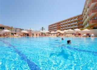 Mallorca im Janeiro Hotel und Spa mit Blick auf einen Pool