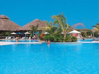 Kuba im Playa Costa Verde miteinem Bild vom Pool