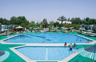 Ägypten - Ghazala Beach Hotel mit Blick auf einen Pool