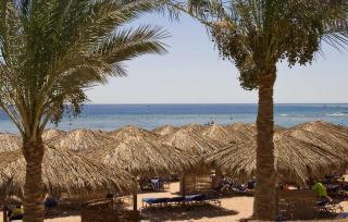 Ägypten - Jaz Makadi Star u. Spa mit Blick auf den Strand