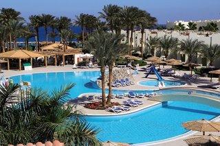 Ägypten - Palm Beach Resort mit Blick auf einen Pool