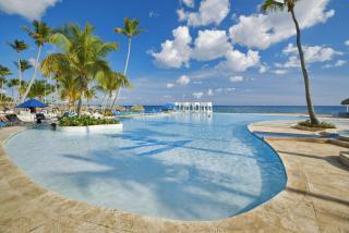 Dom. Rep. - Viva Wyndham Dominicus Beach mit Blick auf einen Pool