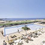 Mallorca - Romantica Hotel Sant Jordi mit Blick auf den Pool und das Meer